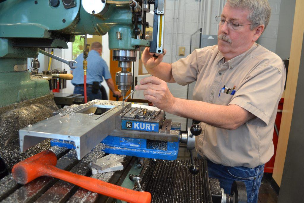 Senior Laboratory Mechanica Jeff Smith